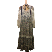 SALE ON SALE GUNNE SAX Vintage flower and lace prairie prom or Wedding Dress