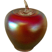 Beautiful Art Glass Apple Paperweight by Levay  **Gary Levi**