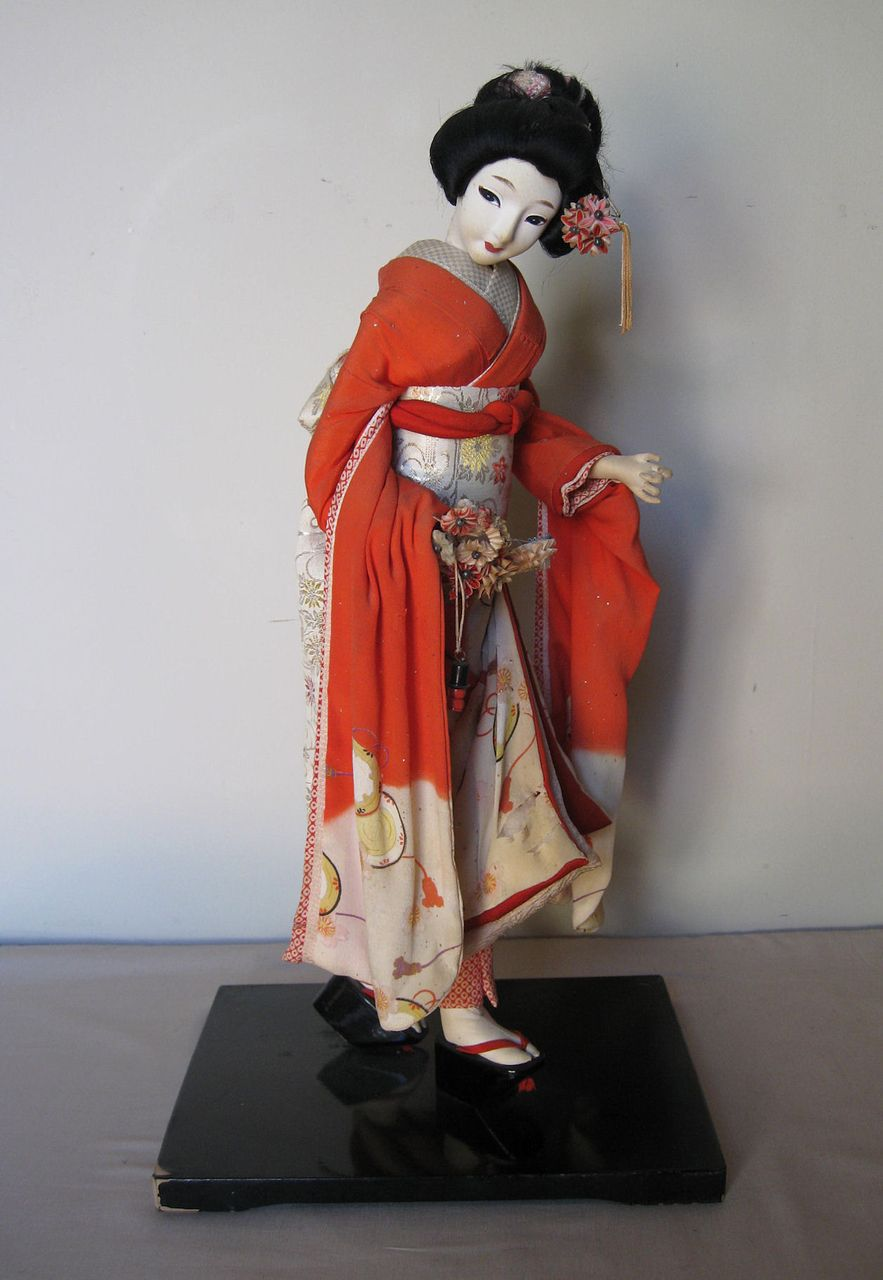 Japanese Silk Skinned Doll Circa 1920 30s From