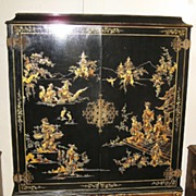 Elegant Chinese Black Lacquer and Gilt Cabinet