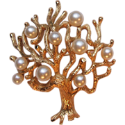 SALE Vintage Crown Trifari Gold Tone Tree of Life Pin Brooch Faux Pearls