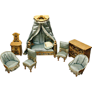Antique Honey Bedroom Furniture Set with Luxury Gilt and Floral Patterns - For the French ...