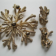 Vintage Signed Napier Large Gold Tone Metal  Pin & Clip Earrings Set