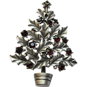 Signed Silver Starrs Book Piece Holly Leaf Christmas Tree Pin Broach