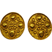 Signed Kenneth J Lane Round Disc Gold Tone Metal Clip Earrings