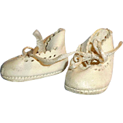 Vintage White Leather Scallop Edge Ankle Tie Doll Shoes