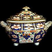 Early 19th century English Royal Crown Derby Imari Cowered sugar bowl dish
