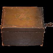 Antique Wood Tole Painted Hand Crank Music Box Schutz Marke Allen Staaten Brevete Wonderful ..