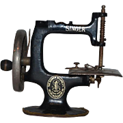 Antique Doll Childs Miniature Singer Sewing Machine
