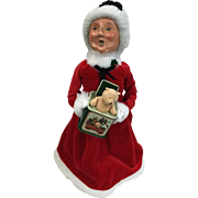 Christmas - Byers Choice The Carolers - Mrs Claus Holding A Toy Jack In The Box