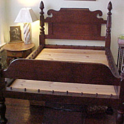 Bed walnut American acorn post rope C. 1820