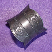 Gorgeous ANTIQUE Victorian Sunflower Design Silverplated Estate Napkin Ring