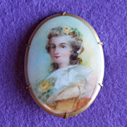 Fabulous VICTORIAN Antique Porcelain LADY Estate Pin Brooch