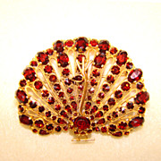 Fabulous GARNET GLASS Figural Peacock Estate Pin Brooch