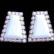 Gorgeous White Milkglass Glass Stones Vintage Estate Earrings