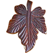 Fabulous CARVED WOOD Leaf Vintage Estate Dress Clip Brooch