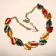 Gorgeous Vintage THERMOSET LEAF STONES Necklace