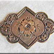 Gorgeous VICTORIAN Engraved Design Estate Collar Button