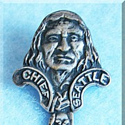 Antique CHIEF SEATTLE Mt Rainier Washington Totem Pole Sterling Souvenir Spoon