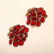 Fabulous RED CRYSTAL STONES Estate Clip Earrings