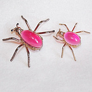 Awesome SPIDERS Pink Lucite Belly Vintage Pin Brooch Set