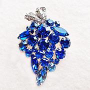 Gorgeous BLUE RHINESTONE Vintage Pin Brooch