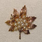 Fabulous TRIFARI Signed Faux Pearl & Rhinestone Vintage Estate Pin Brooch