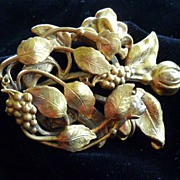 1940's Antique Goldtone Dress Clip
