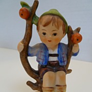 Vintage Hummel Goebel  Apple Tree Boy 142 3/0 Stylized Bee W. Germany