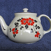SOLD Hall China Red Poppy New York Teapot