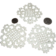 Tiny French Doilies for Your Doll Scenes!