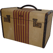 "Vintage Oshkosh Luggage ""Chief"" Vanity Cosmetics Makeup Case Train 1930's American S"