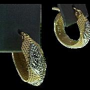REDUCED Vintage 14K Gold Two Tone Filigree Pierced Small Hoop Earrings
