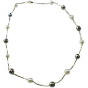 Vintage 14 K Gold Chain Tahitian And White Pearl Necklace
