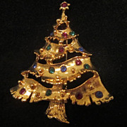 Vintage Goldtone Christmas Tree Pin with Colored Rhinestones