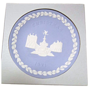 Wedgwood Piccadilly Circus Christmas 1971 Blue & White Decorator Plate