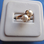 10 kt. Yellow Gold Ring with 5.5 mm. Cultured Pearls