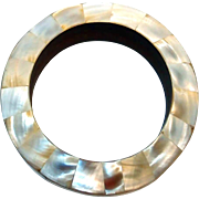 REDUCED Lovely Mother-of-Pearl Inlaid Shell Bangle