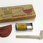 Vintage Miniature Boxed Clay Pipe Smoker's Set
