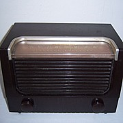SOLD RCA Victor Table Top AM Radio Circa 1952