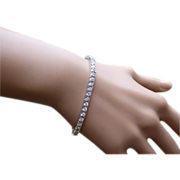 REDUCED 5 carat weight of DIAMONDS in a 18k Tennis Bracelet * * * * *