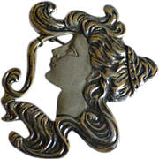 Great Face on a Art Deco style Silver Brooch / Pendent