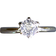 REDUCED Beautiful White Diamond Single stone ring