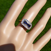 A Fine QUALITY  Sapphire & Diamond unusual Ring