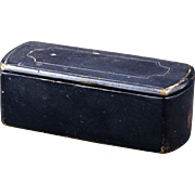 18/19th century black lacquer hinged European snuff box