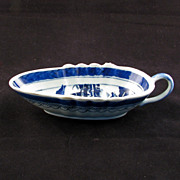 REDUCED Chinese export porcelain blue and white sauceboat - 18th century
