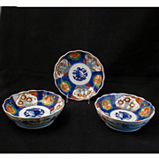Set of three matching Japanese 19th century porcelain Imari bowls
