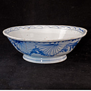 Chinese porcelain folk-art blue and white bowl - Late 19th century