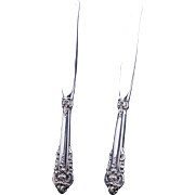 Pair of vintage Wallace sterling silver .925 Grand Baroque dinner knives with stainless blades