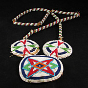 Vintage Native American Indian Beaded Pendant Necklace